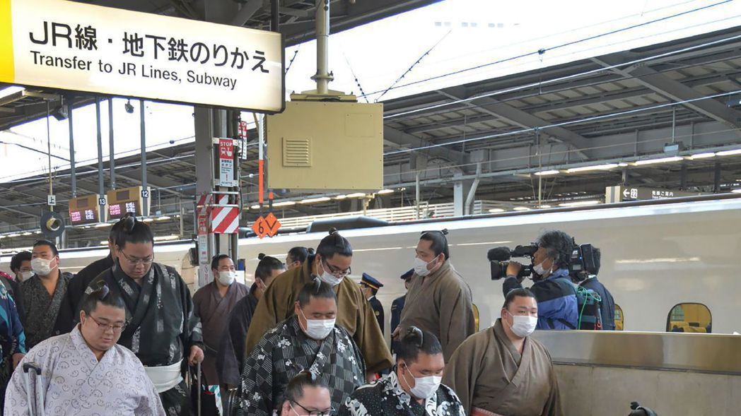 日本醫院非重症不病毒檢驗 東京男發燒39℃遭拒檢。 法新社