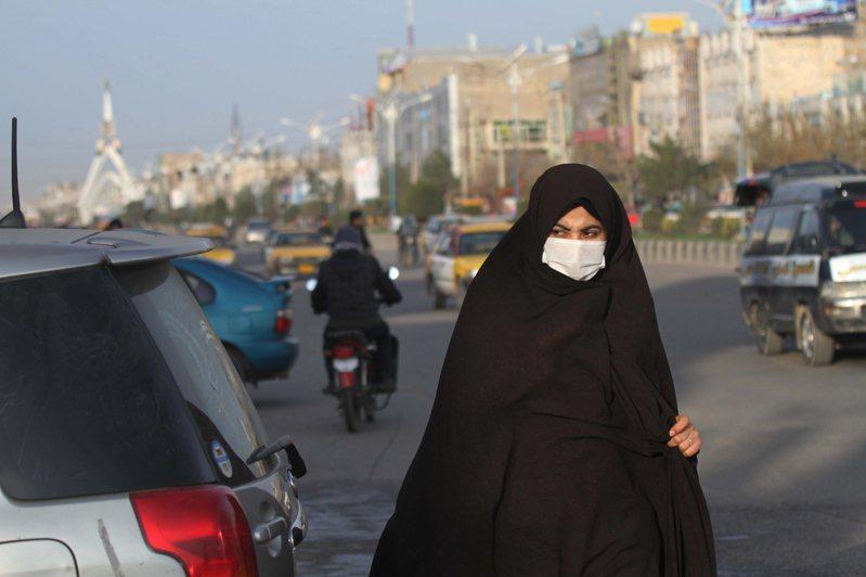 伊朗累計有16人因新冠肺炎而死,成為疫情源頭中國以外死亡人數最多的國家。圖/歐新社