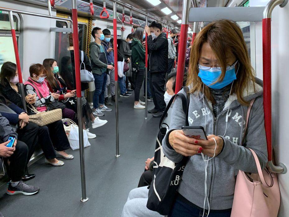 香港今天新增3名新冠肺炎確診病例,使累計確診病例數上升到84例。圖/路透社
