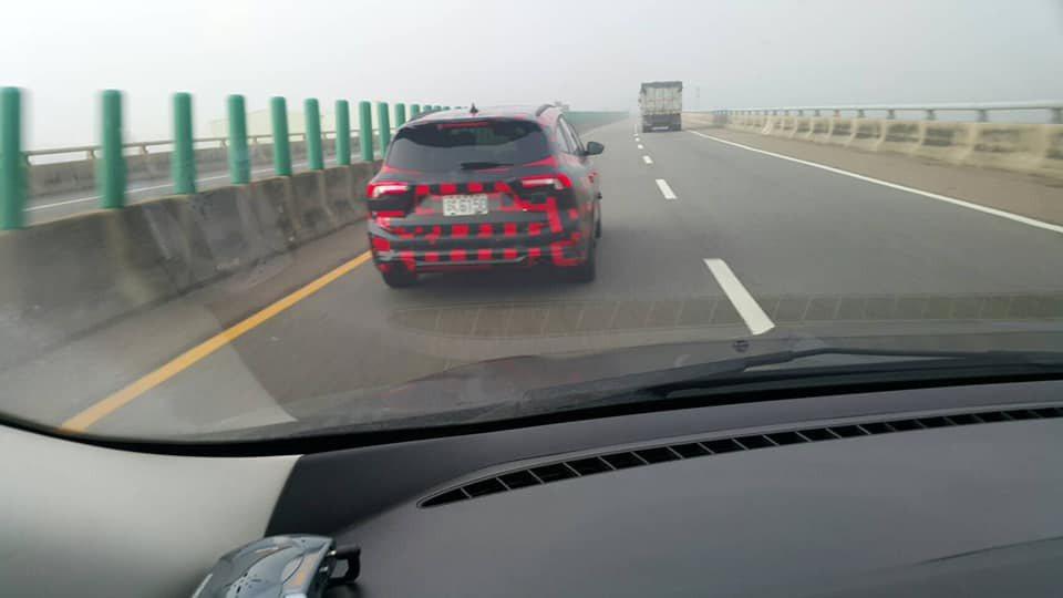 Focus ST Wagon偽裝車現身台灣道路進行測試。 圖/摘自臉書社團