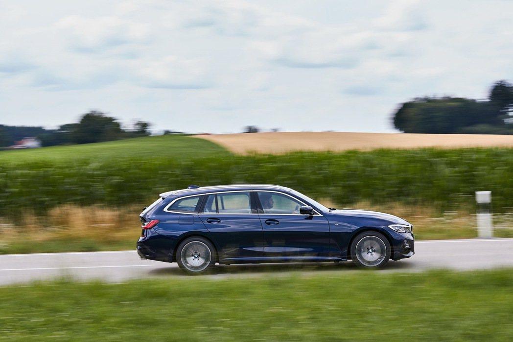 BMW 3系列Touring擁有相當美型且動感的設定。 圖/BMW提供