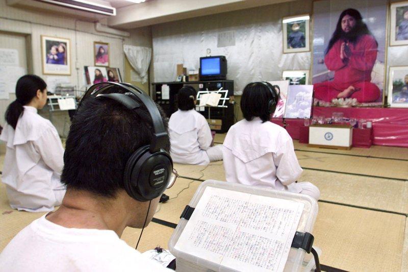 圖為日本奧姆真理教教徒。 圖/路透社