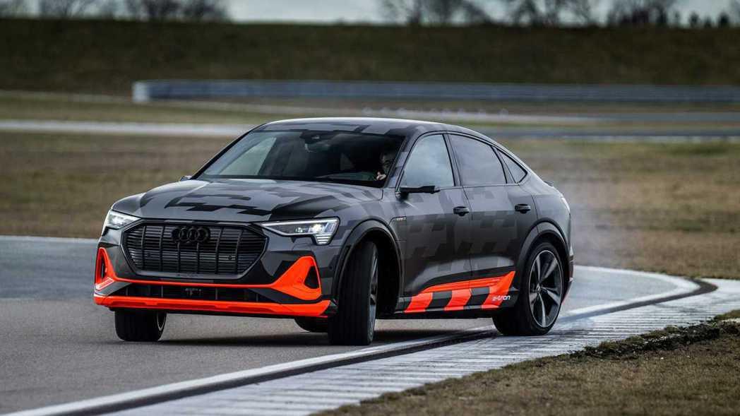 Audi e-tron S、e-tron S Sportback是市面上首款配置...