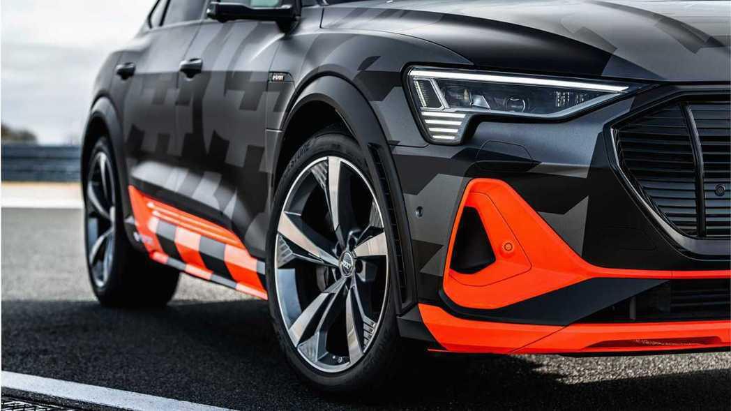 Audi針對e-tron、e-tron Sportback推出高性能「S」版本。...