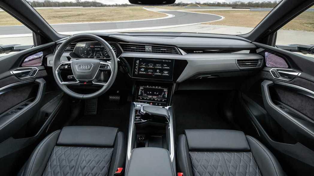 Audi e-tron S、e-tron S Sportback內裝。 摘自Au...