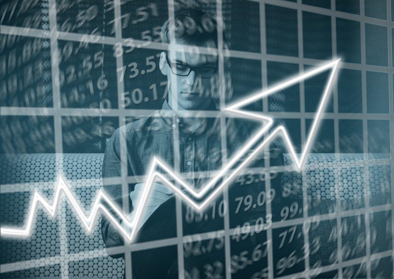 想要掌握疫情環境下股市反彈機會,富蘭克林證券投顧建議,在基金配置時不妨納入「步佈...