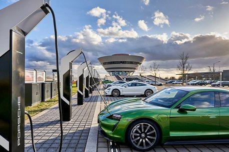 大家來充電吧!保時捷於德國東部開設歐洲最強大的充電園區