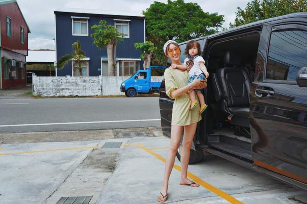 隋棠與小兒子奧里。圖/摘自臉書