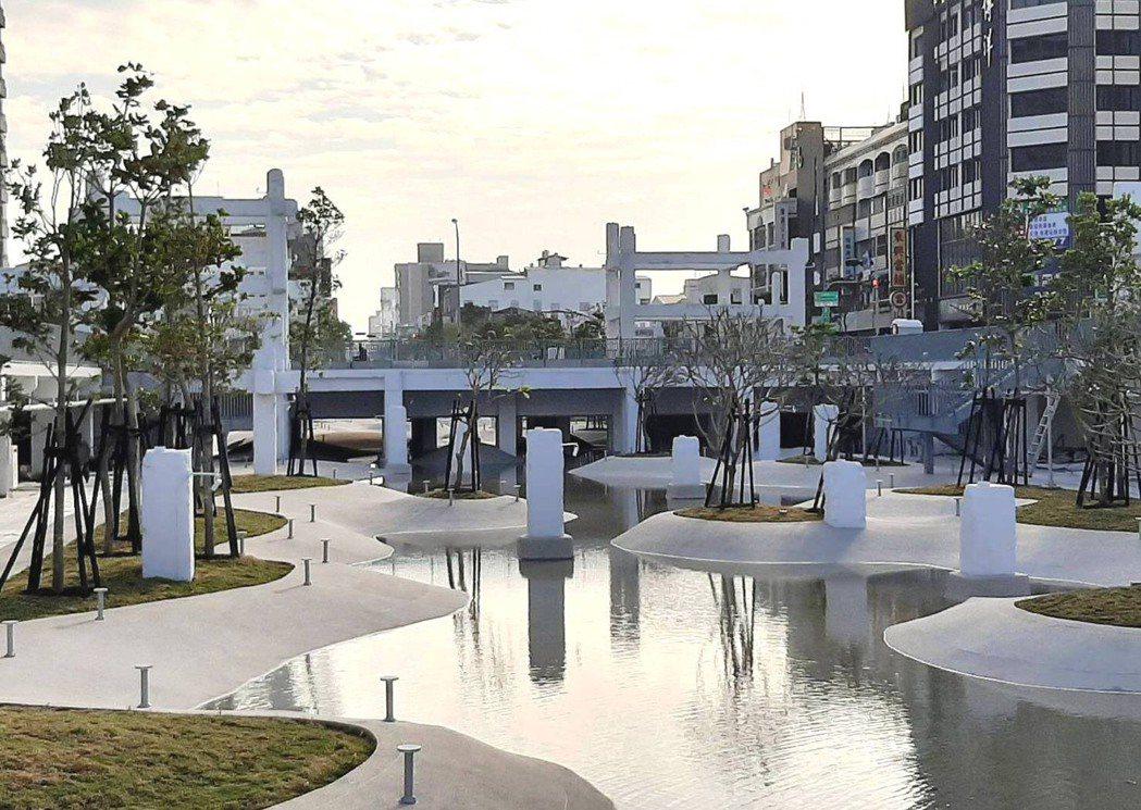 由中國城拆除後原址改建而成、擁有「世界七大令人期待公園」美譽的「河樂廣場」將在3...