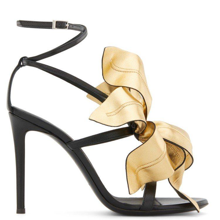 高跟涼鞋有黑、金及棕、紅色款四色可選擇。圖/Giuseppe Zanotti提供