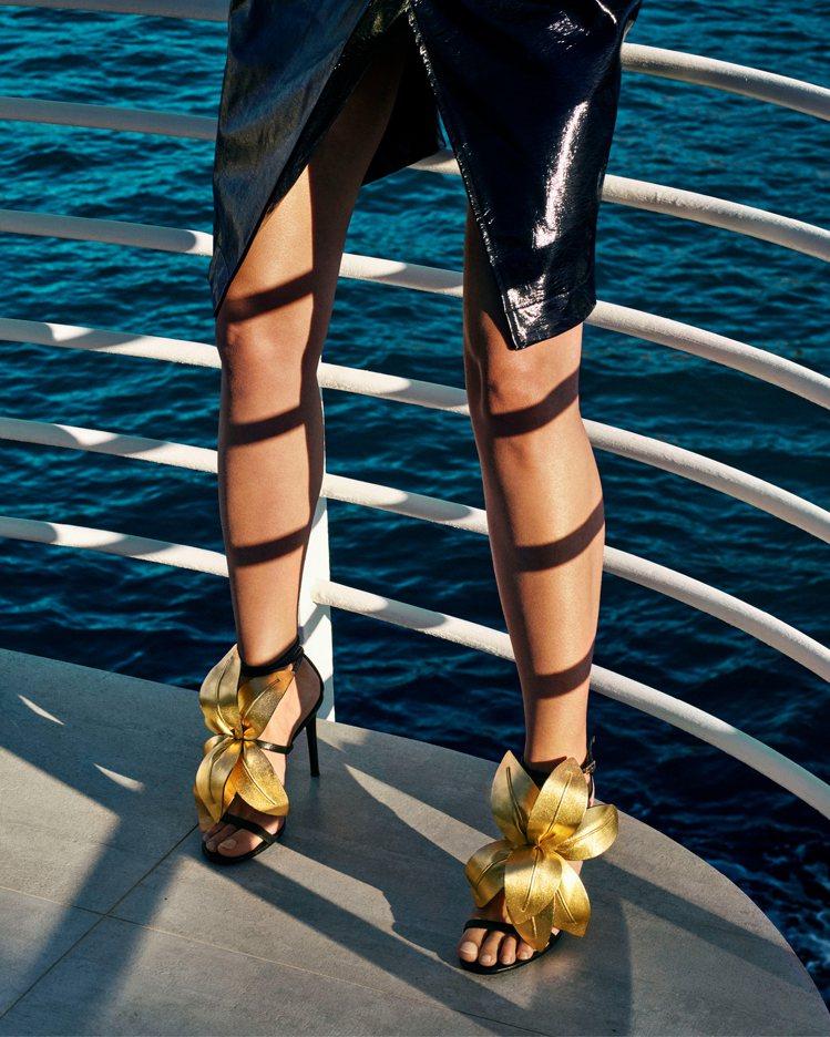 全系列分為細跟高跟涼鞋與平底鞋。圖/Giuseppe Zanotti提供