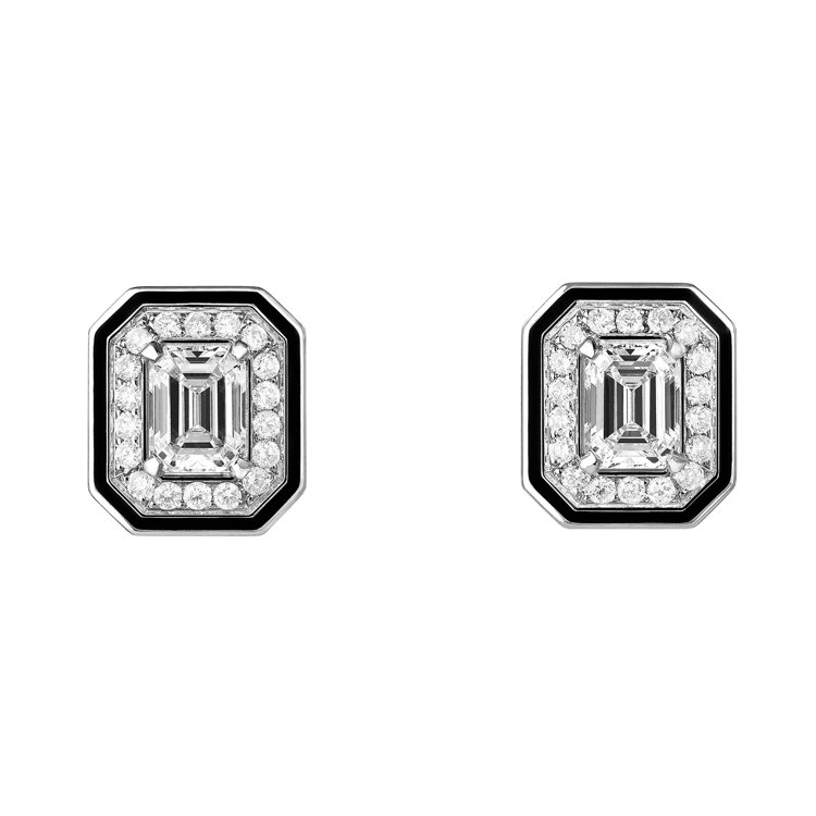Boucheron,Liseré耳環,白金750材質、黑漆,鑲嵌2顆祖母綠切割鑽...