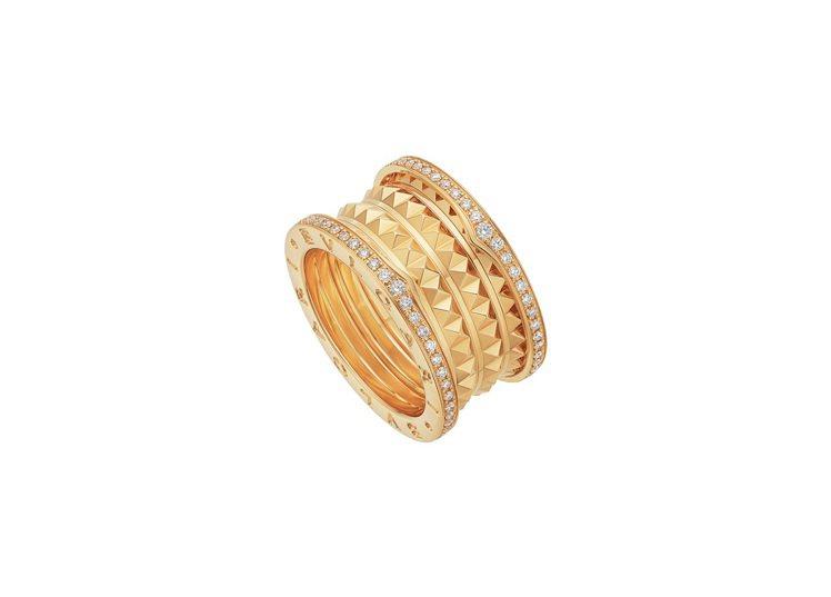 LISA配戴的BVLGARI B.zero1 Rock系列黃K金四環鑲鑽戒指,2...