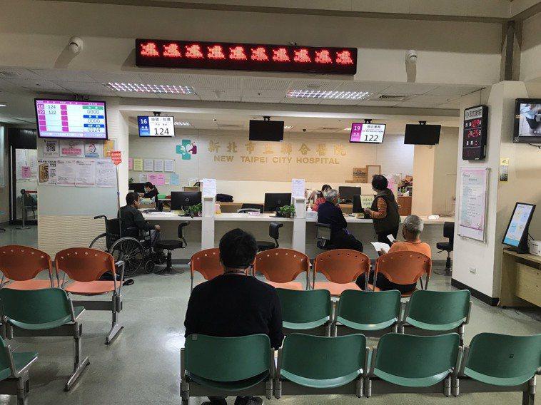228連假將至,28日大部分醫院休診,新北市的台北醫院、輔大醫院及耕莘醫院等,上...