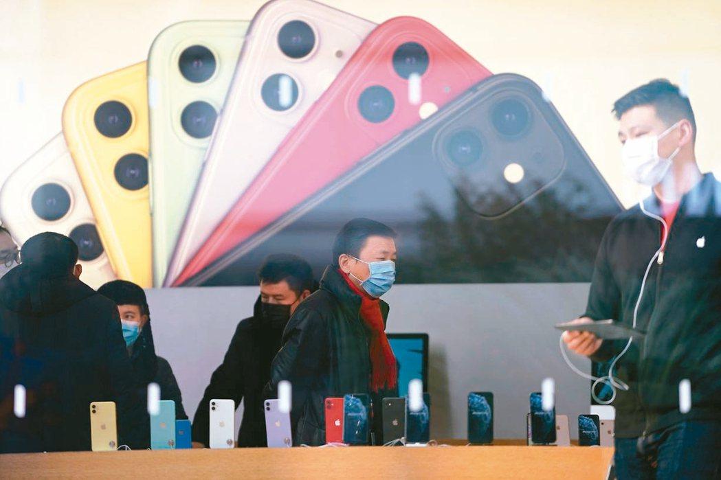 瑞銀證券分析大陸官方數據後發現,受新冠肺炎影響,1月大陸iPhone銷量月減28...