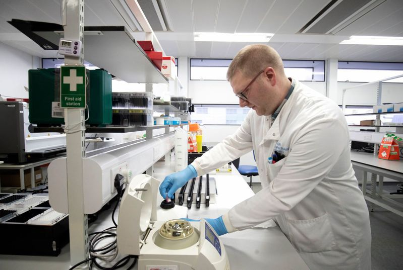 捷克傳媒披露,中國3月份賣給捷克的一批檢測試劑盒,錯誤率高達80%。法新社,示意圖