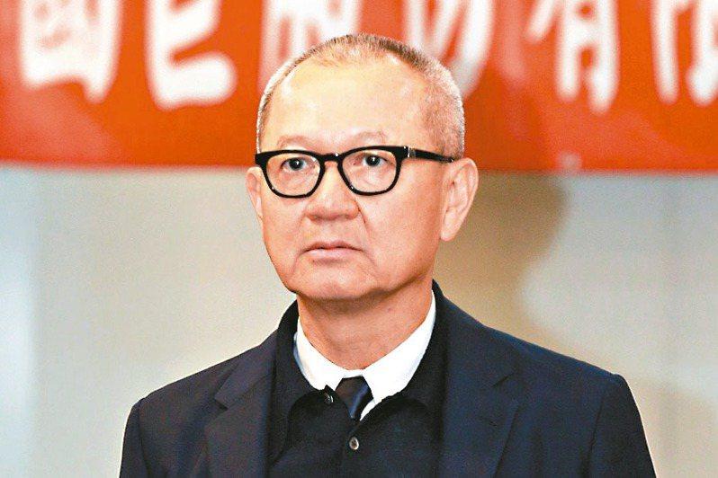 國巨上午股東臨時會,董事長陳泰銘會後表示順利通過國內現增發行普通股參與發行GDR案。 記者黃義書/攝影