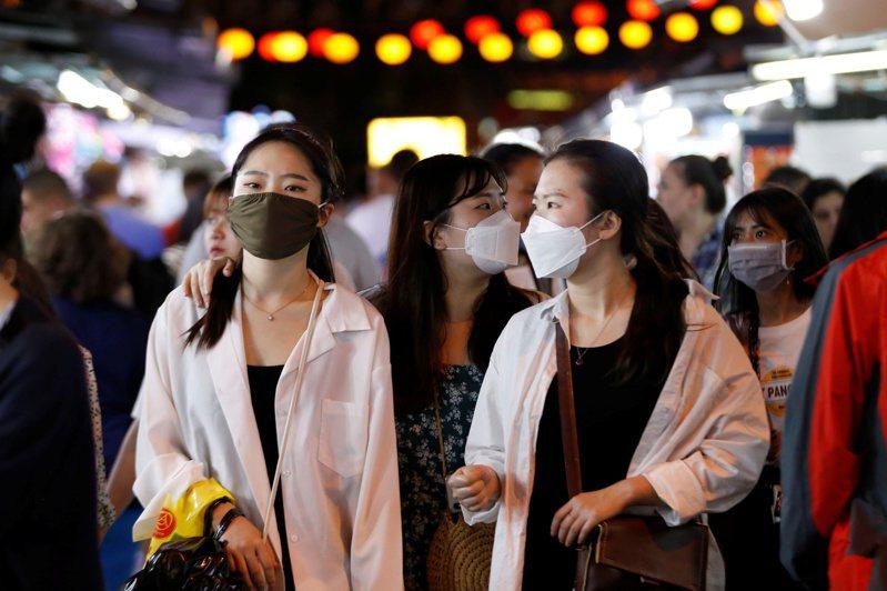 新冠肺炎橫掃全球,越南不僅成功治癒16例,3週來更只有4起新增病例,獲世衛官員肯定。 路透社