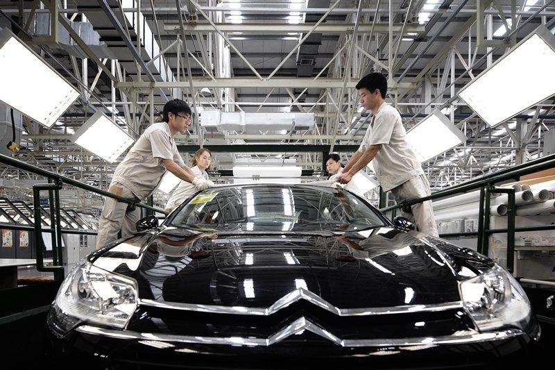 武漢是中國著名的「汽車城市」,意即汽車製造重鎮。 圖/新華社