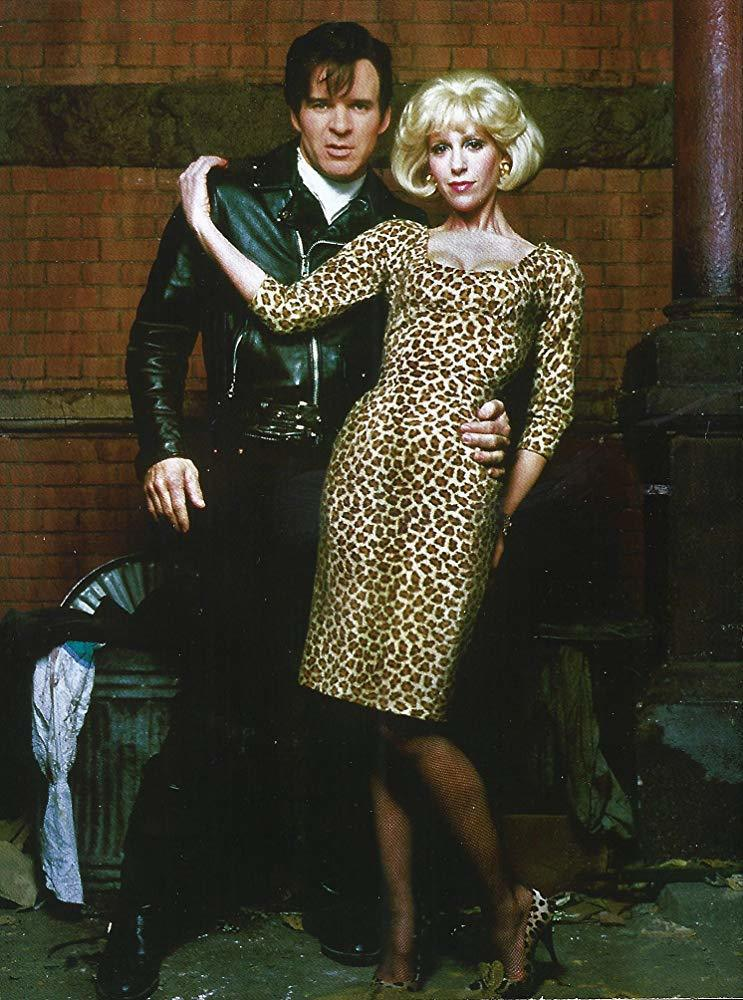 史提夫馬丁與艾倫格林在「異形奇花」扮演虐待狂牙醫和被家暴的女友。圖/摘自imdb