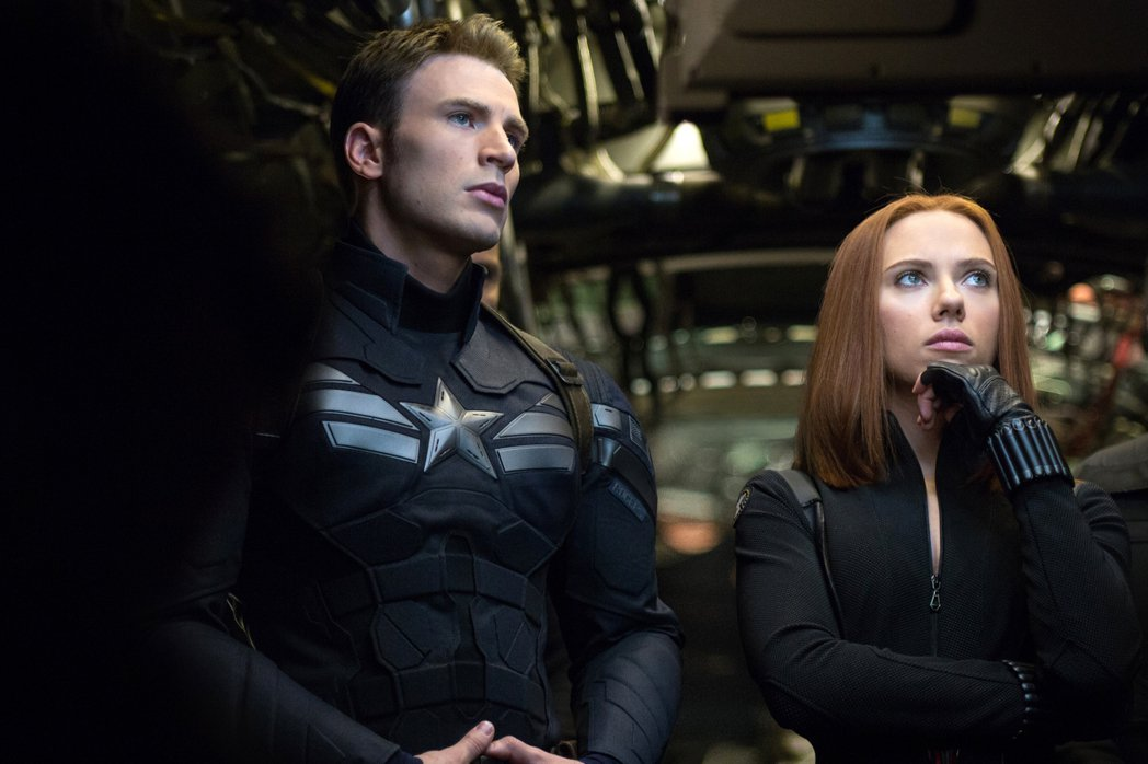 美國隊長與黑寡婦的搭檔頗受觀眾喜愛。圖/摘自imdb