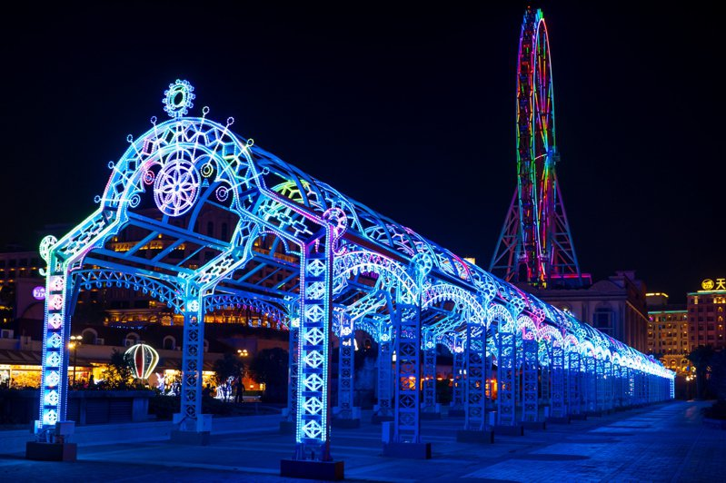 全新的義大世界星悅光廊,全長約130公尺。圖/業者提供