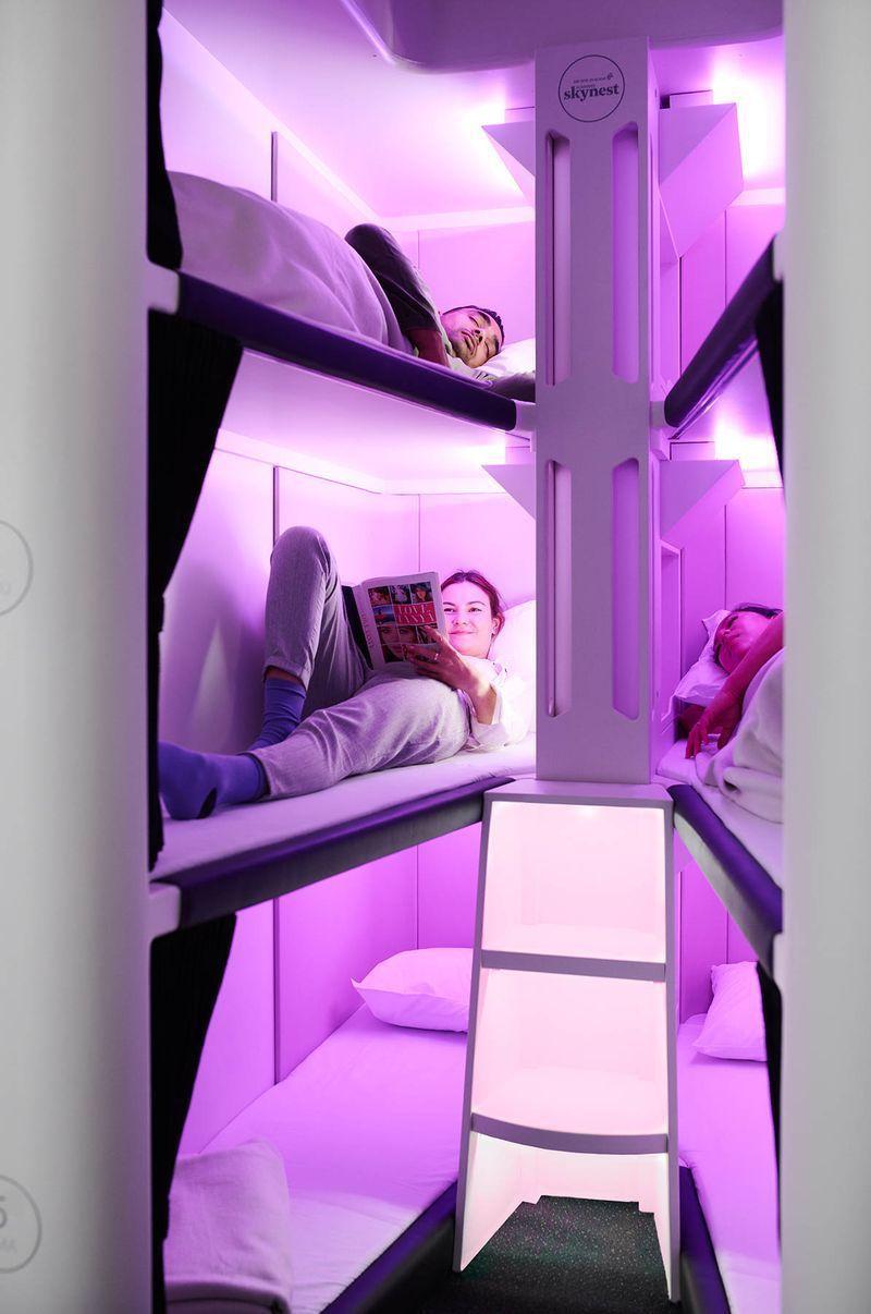 紐西蘭航空將推出的經濟艙「空中窩」有兩排三層床,可以躺六個人。圖/紐西蘭航空