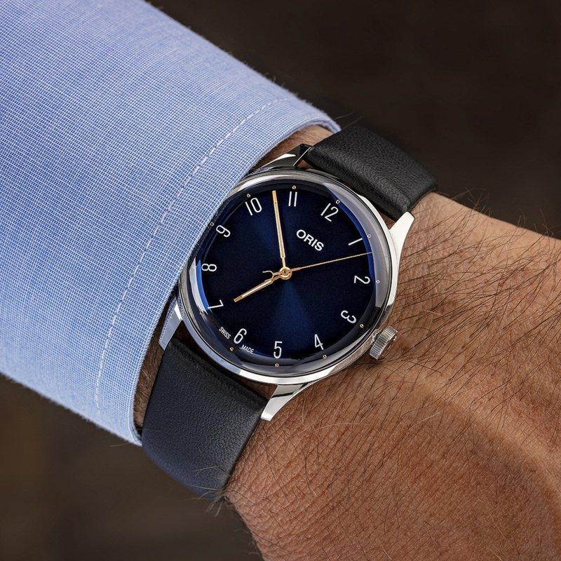 ORIS,James Morrison AoM音樂學院限量腕表,精鋼,38毫米,時間顯示,限量1,234只,60,000元。圖 / ORIS提供。