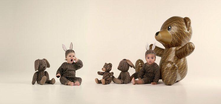 新生兒Mini me(Baby)系列以手工繪製的全新泰迪熊圖案為主。圖/FEND...