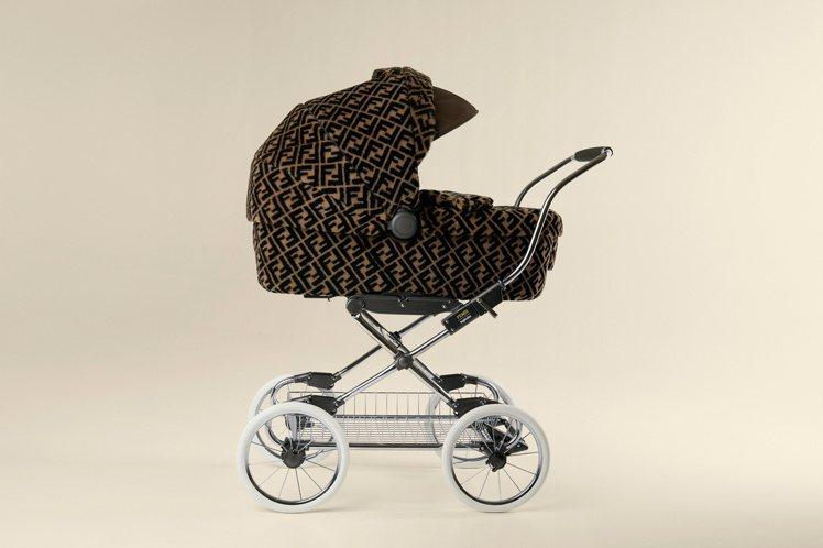 FENDI嬰兒車,價格店洽。圖/FENDI提供