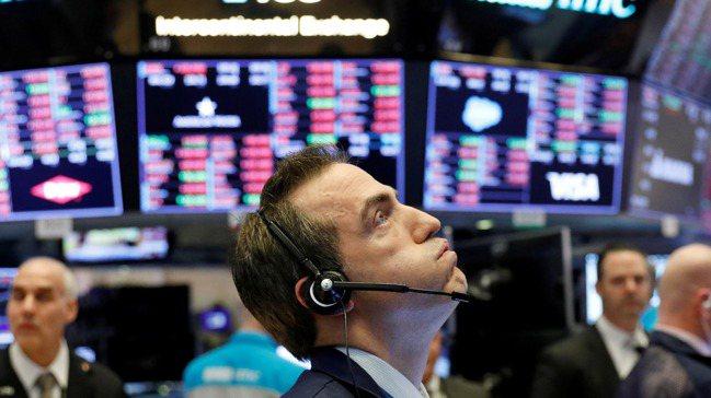 全球股市連日重挫,安聯集團首席經濟顧問伊爾艾朗提醒投資人,現在還不是「逢跌即買」...