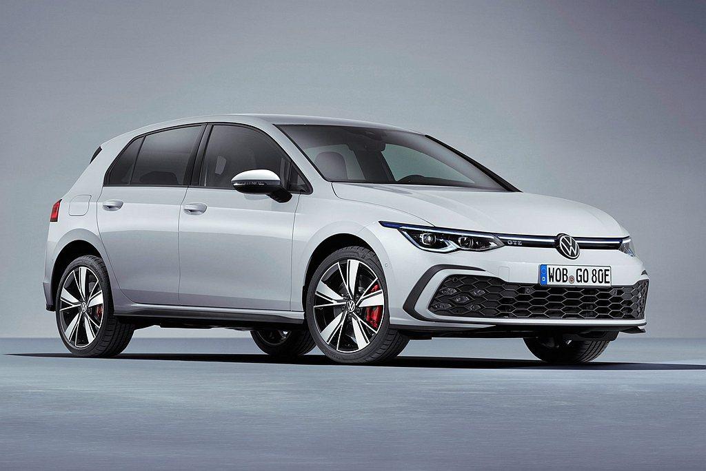 全新福斯Golf GTE以1.4 TSI渦輪增壓引擎,搭配電動馬達模組與鋰離子電...