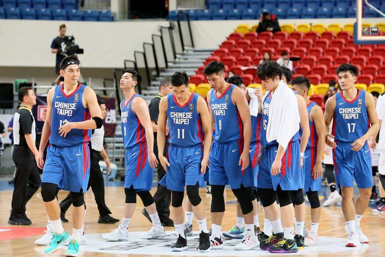 2月24日,亞洲盃男籃資格賽,中華隊以57比96,39分之差慘敗日本隊。 圖/聯合報系資料照