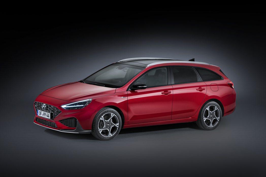 小改款Hyundai i30 在1.5升T-GDi與1.6升CRDi兩種車型中,...