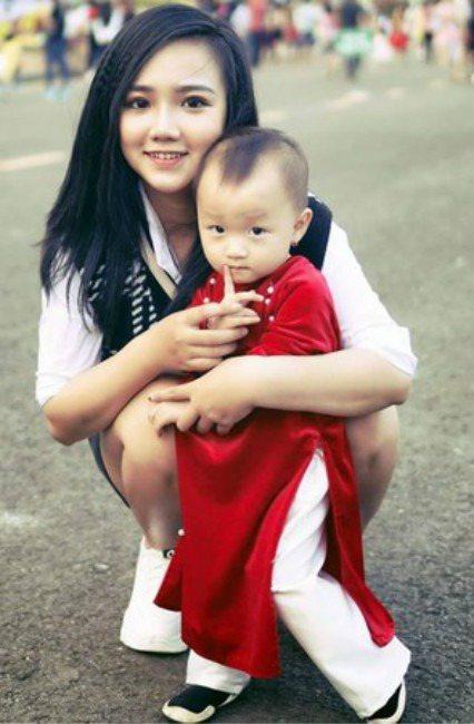 Nguyễn Yến如今已育有1名孩子,不過她的外表仍相當稚嫩。(圖翻攝自臉書/...