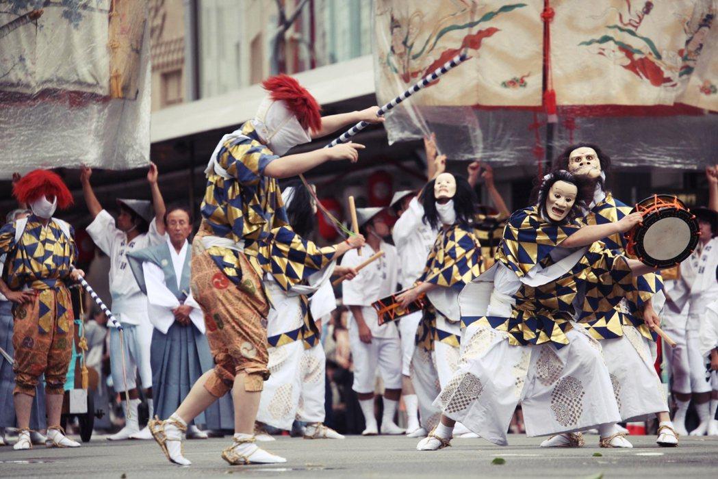 在古代清潔與否,直接影響了傳染病的發生機率,而京都這個日本千年首都,也剛好是個傳...
