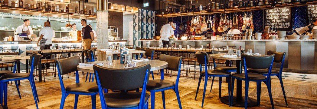 餐廳裝潢風格自在活潑。圖/摘自官網