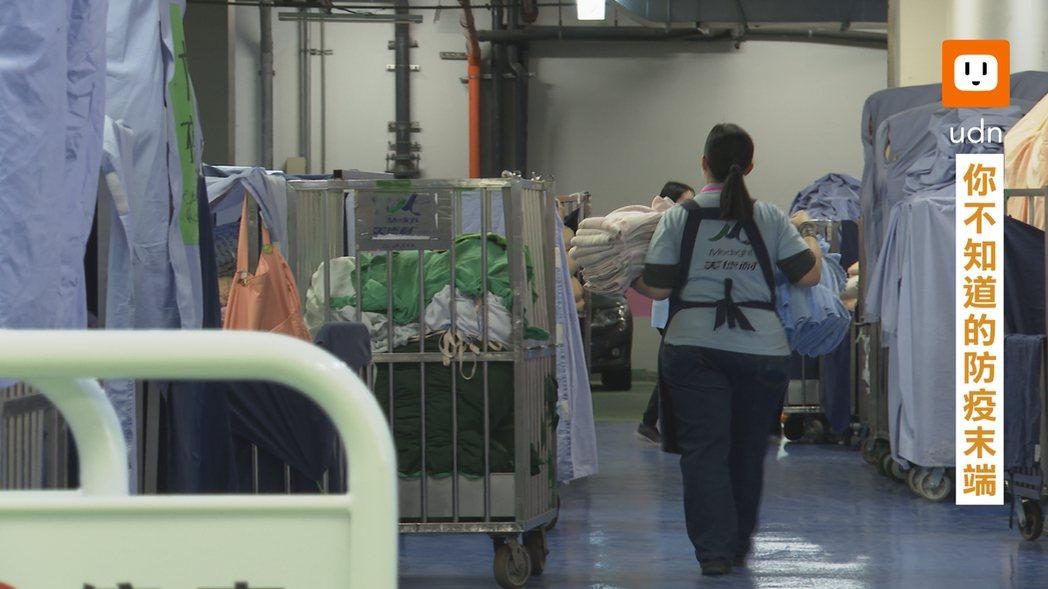 醫院的外包清潔人員除了在第一線的防護消毒,也身負醫療廢棄物感染管控的重責大任。記...