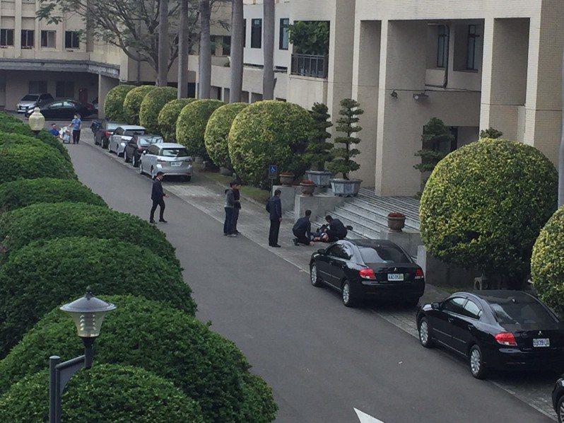 一名保六警員在警政署墜樓。記者陳金松/攝影