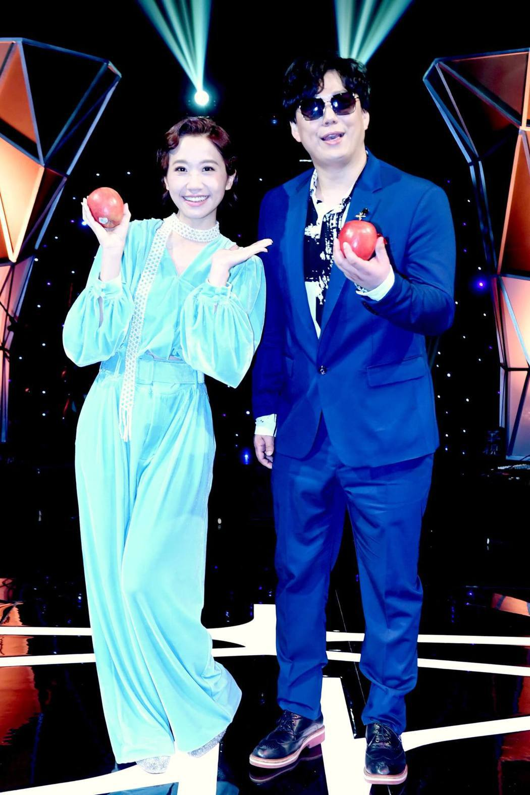 Lulu(左)和蕭煌奇合作兩季節目,開刀前夕錄最後一集,也不必請代班人。圖/華視...