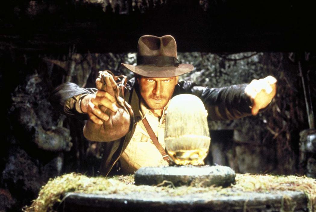 哈里遜福特在「法櫃奇兵」精彩演出為銀幕再造經典英雄。圖/摘自imdb