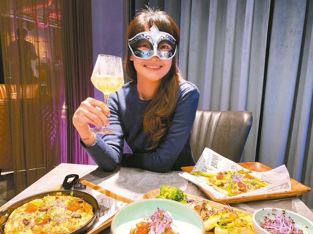 「房間餐酒The Room Bistro」豐盛的菜色與各式創意調酒,令人產生無限...