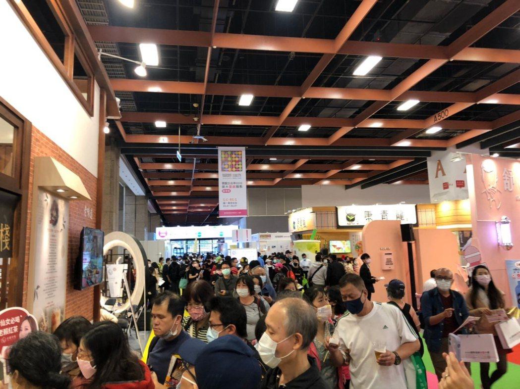 因新冠狀病毒影響,台北國際加盟展吹起「無人經濟」。 台灣連鎖加盟促進協會/提供