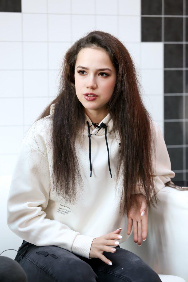 年僅17歲,冬奧史上第二年輕的花式滑冰冠軍阿麗娜.扎吉托娃,將來台演出「歌舞冰上」。記者林伯東/攝影