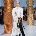 巴黎時裝周/剛並溫柔著 Chloé一展法式中性甜美