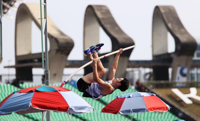 台灣體大撐竿跳好手許德敬。圖/中華田徑協會提供