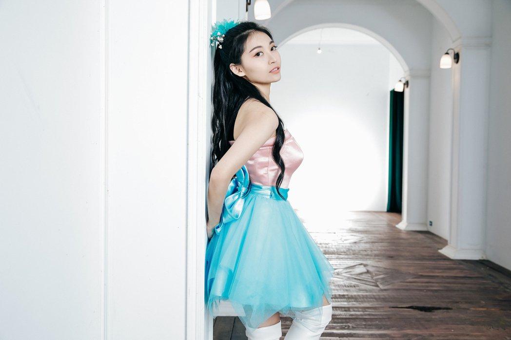 祈錦鈅在新歌「I DO」MV化身強力發電機。圖/固力狗提供