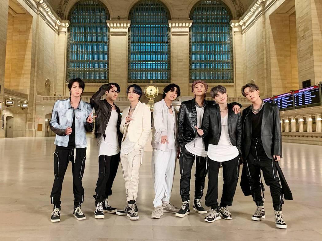 防彈少年團忍痛取消首爾演唱會。圖/摘自推特