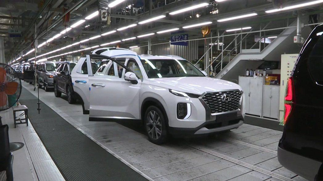 Hyundai蔚山二廠在二月底因有一位員工確診新冠肺炎,而因此暫停營運了數天。 ...