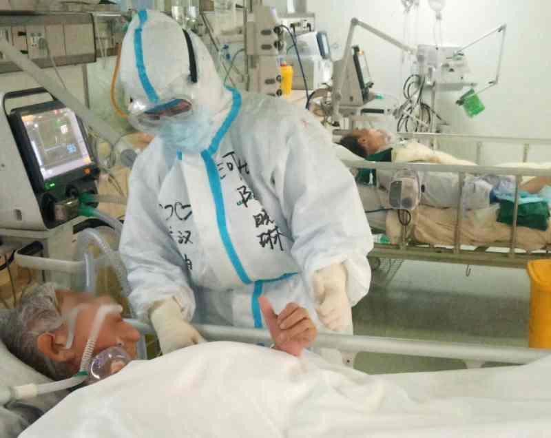 報告指出,不認為空氣傳播是新冠肺炎的主要傳播方式。新華社資料照片